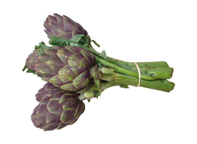 des bouquets d'artichauts dans votre panier de légumes